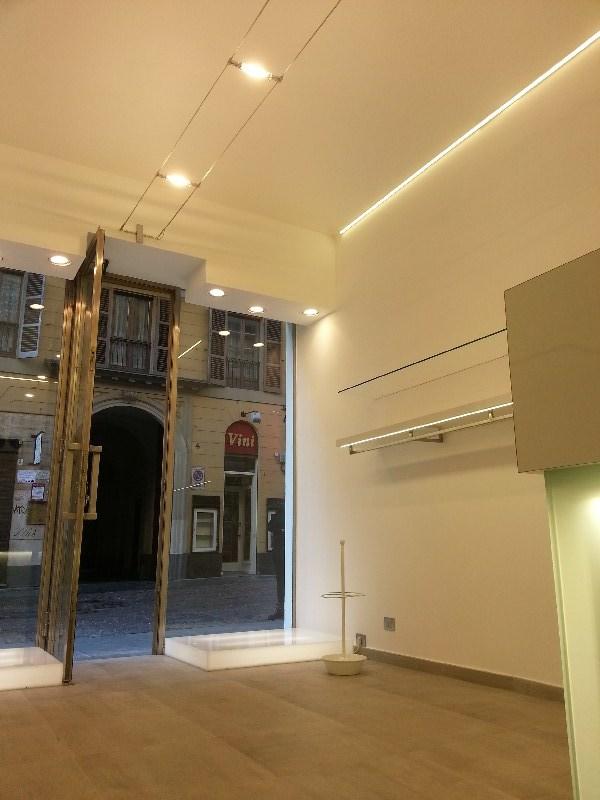 Marco gennaro arredo negozi di abbigliamento for Arredo negozi torino